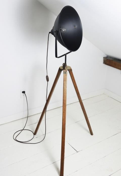 Vintage Style 1920's Film Studio Tripod Light