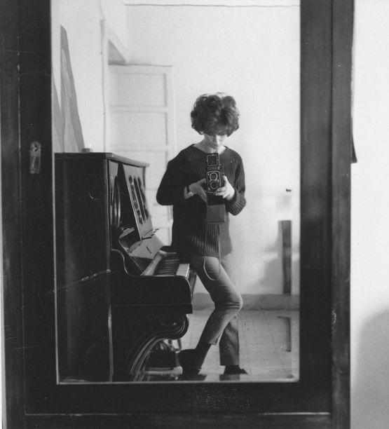 Autoritratto, 1961 - foto Carla Cerati