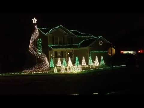 MSU fight song in Christmas lights! ok Lindsay, i'm expecting this at your first house!