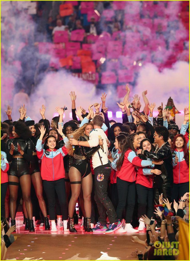 Bruno Mars: Super Bowl Halftime Show 2016 Video - WATCH NOW!   bruno mars uptown funk super bowl halftime show 2016 31 - Photo