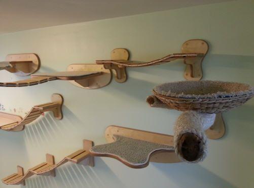 Goldtatze - German Designer Natur-Kratzbäume und Katzenzimmer wall & ceiling mounted cat furniture