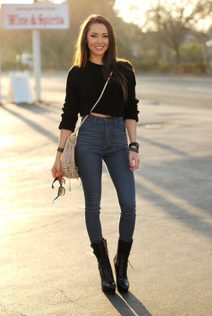 Crop Top And High Waist Jeans Street Fashion Pinterest Simple Outfits Boots And Jeans