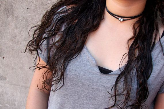 PYKNIC2 black chocker necklace 90s choker black chocker by PYKNIC2 $8.50 ☮ & ❥ LOVE www.pyknic2.etsy.com