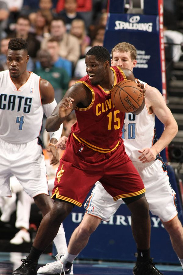 CHARLOTTE, NC - NOVEMBER 1: Anthony Bennett #15 of the Cleveland Cavaliers looks to pass the ball against the Charlotte Bobcats during the game at the Time Warner Cable Arena on November 1, 2013 in Charlotte, North Carolina. NOTE TO USER: User expressly acknowledges and agrees that, by downloading and or using this photograph, User is consenting to the terms and conditions of the Getty Images License Agreement. Mandatory Copyright Notice: Copyright 2013 NBAE (Photo by Kent Smith/NBAE via…
