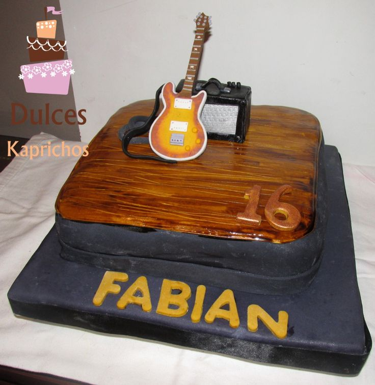 Torta Guitarra #TortaGuitarra #TortasDecoradas #DulcesKaprichos