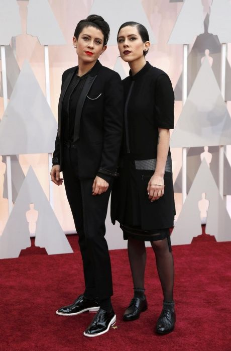 Tegan and Sara: great goth looks!