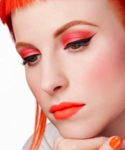 Mac presenta un kit de maquillaje para lucir un 'look naranja' - Bekia Belleza