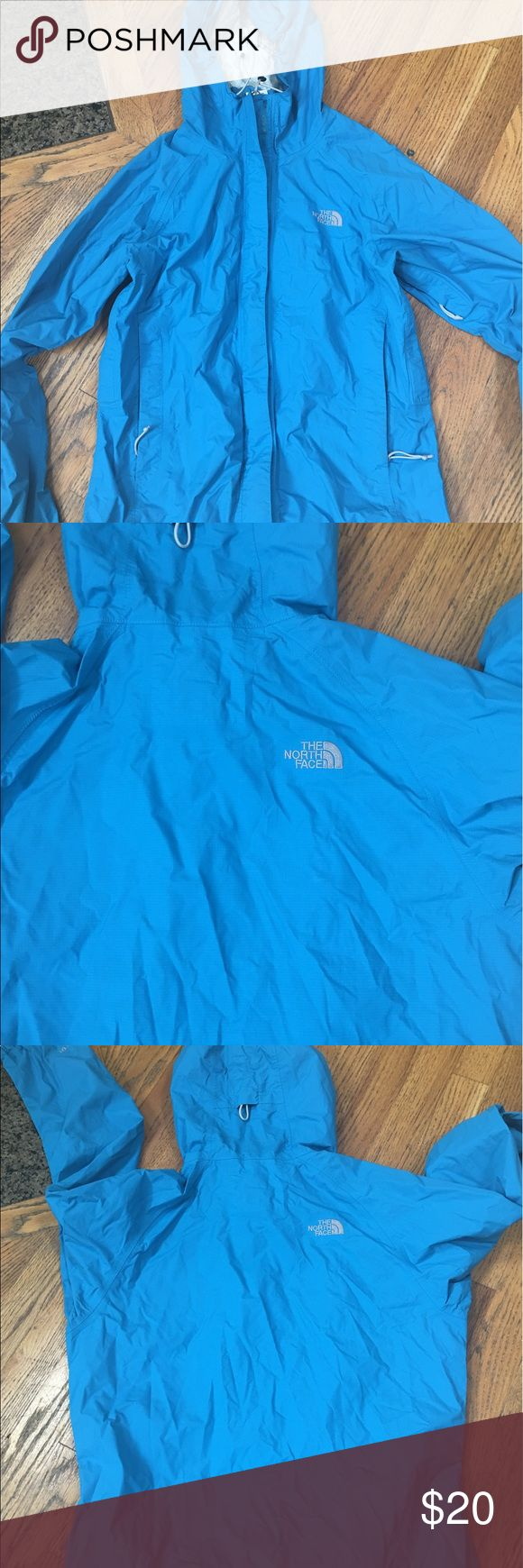 North Face women hyvent DT jacket North Face women hyvent DT jacket size small . Has some piling in the inside neck area see pictures The North Face Jackets & Coats