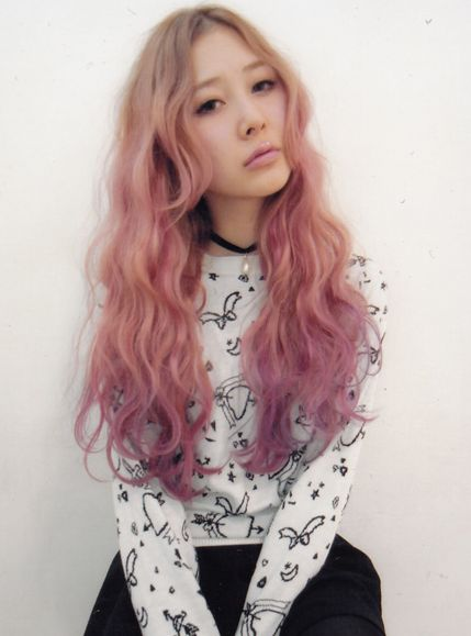 Really loving the colored ombre hair - Tempted to try it!