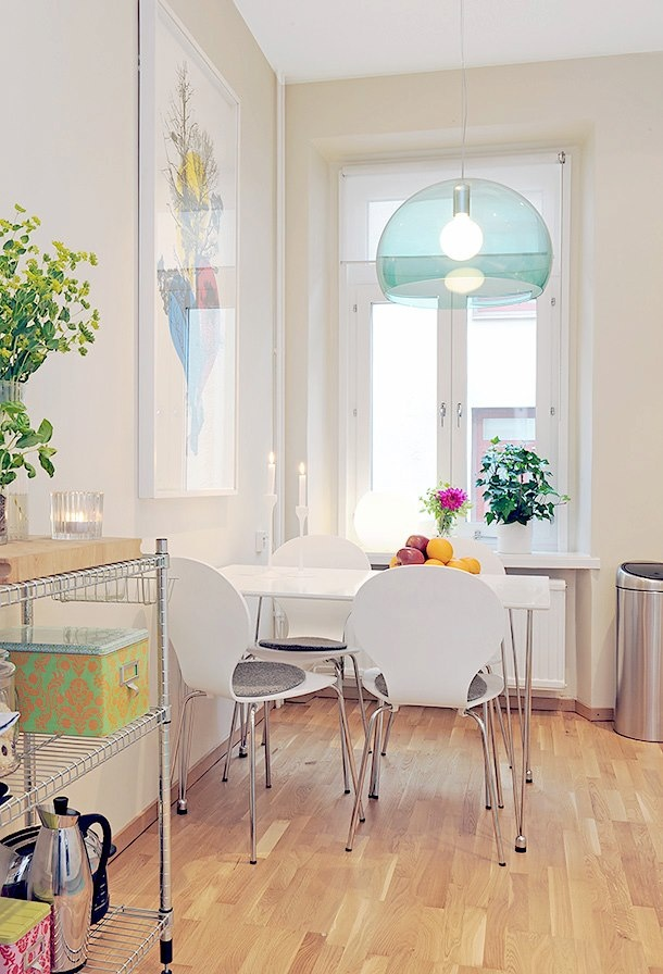 Small dining area fresh and bright small kitchens for Small dining area