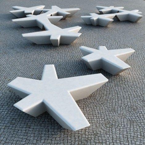 Urban benches, designed by Tuñon y Mansilla arquitectos to Escofet