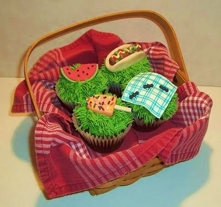 picnic cupcakes.resized
