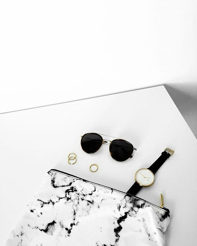 saturday setup 〰  @luxeblogger_ @eyebuydirect @hirigoyenwatch #eyebuydirect #lovemorethan1 #rflkteyewear