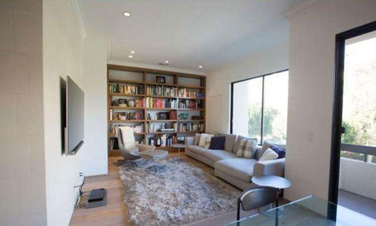 Le nouveau condo de Kris Jenner   CHEZ SOI Photo: © variety.com #deco #maisondereve #star #maisondestar #luxe