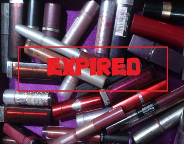 Choosing the Right Lipstick In order to Avoid Lip Allergies CAUSES OF LIP ALLERGIES Wearing lipstick that are old or expired out, Wearing bad and non reliable brands of lipstick and it has allergic content such as Ricinoleic acid.