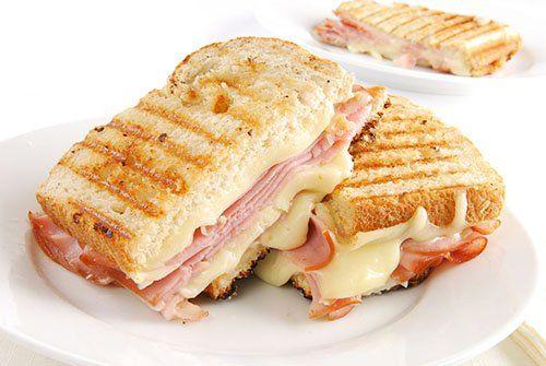 Sándwich de Jamón y Queso Suizo Te enseñamos a cocinar recetas fáciles cómo la receta de Sándwich de Jamón y Queso Suizo y muchas otras recetas de cocina..