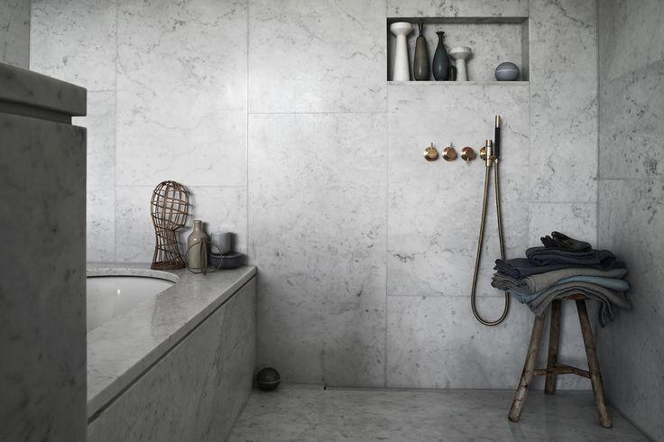 badrumsinspiration_ett-hem_kalksten-bathroom-massing_styling-lotta-agaton_foto-magnus marding_badrumsdrommar