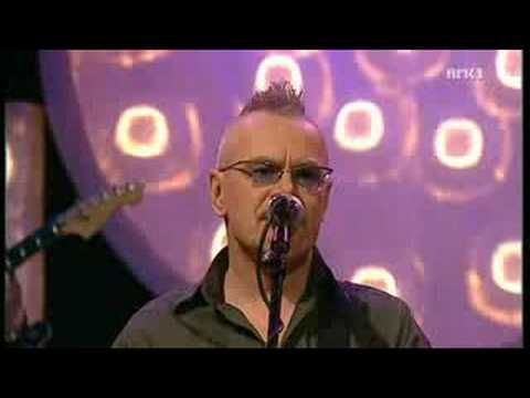 Nik kershaw - Wouldnt it be good LIVE In Norway 2008 - YouTube