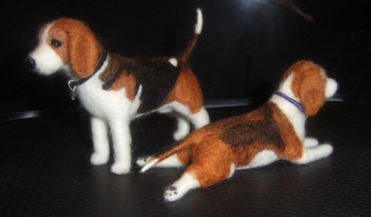 Needle Felted Beagles