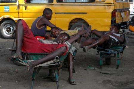 Akintunde Akinleye - City rest, Lagos, Nigeria, 2006