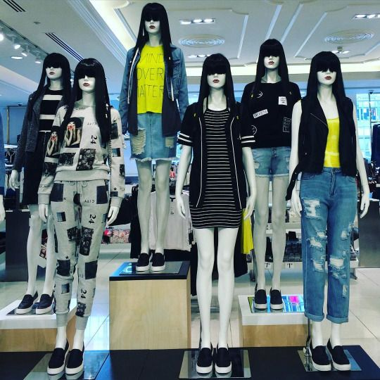 "FOREVER 21, Oxford Street, London, UK, ""Join Our Team"", photo by TrendZ Bureau, pinned by Ton van der Veer"