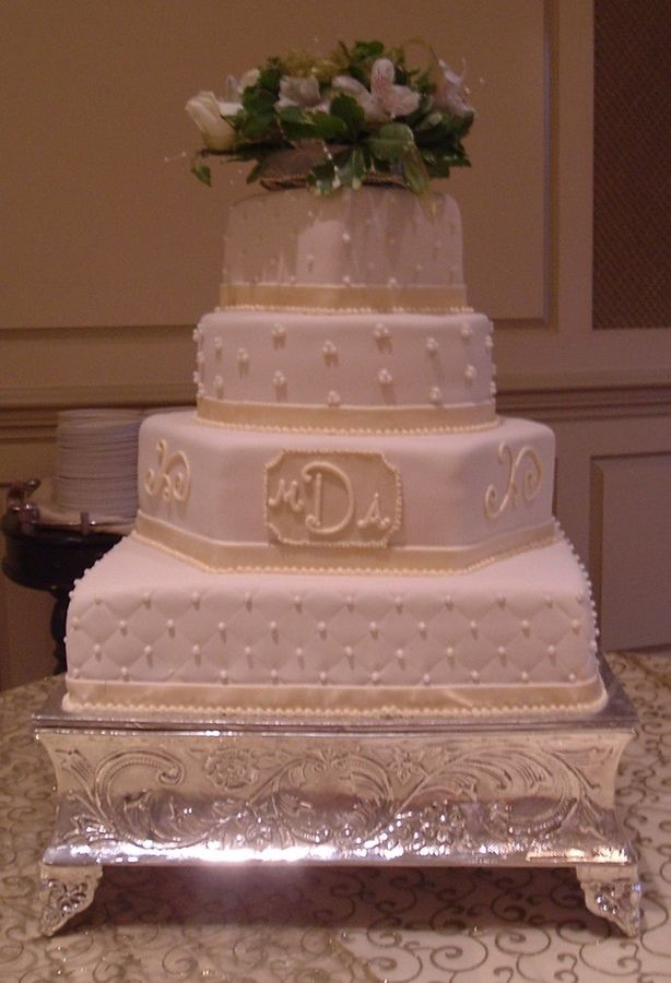 Four Tier Multi Shape Wedding Cake 6 Quot Square On 10 Quot Round