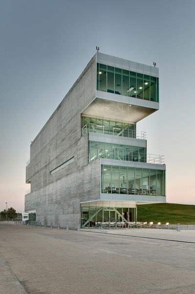 National Laboratory of Genomics for biodiversity   / TEN ARQUITECTOS