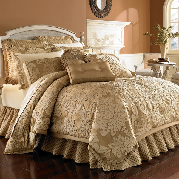 Best 190 Best Images About Beautiful Bedding Lots Of Pillows 400 x 300