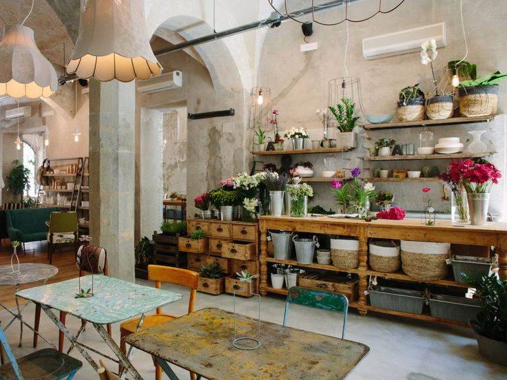 WHAT'S OLD IS NEW AGAIN Florence gets new life, thanks to the arrival of a spate of culinary hot spots. Florence, La Menagere