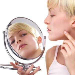 """white spots on the face?  Sometime, everybody thought that white spot on their face cause by directly sweat rinsed with water, or directly sun light.  But, we have to know that there's so many """"caused"""" on white spot on our face. Like; Infection, fungus, sign & symptomps of Cancer, and many more. . . ."""
