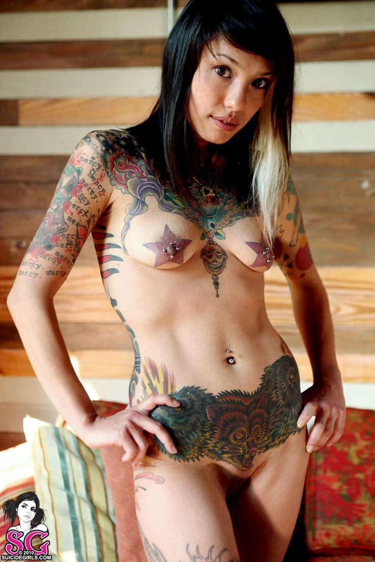 heavily tatooed fisting women