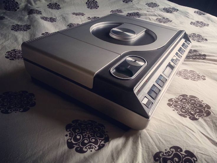 "Don't miss this one by e.r.a._extreme_retro_apple #magnavoxodyssey #microhobbit (o) http://ift.tt/1REZsqH by Magnavox. [1979] The Magnavox Magnavision model 8000 was the first reflective optical videodisc player to be released to the general public on December 15 1978 at three stores in Atlanta GA. A ""mass market"" version of the 8000 called the VH-8000 was released in early 1980. . #vintagetechnologies #vintage #vintagestyle #vintagevideo #computercollection #design #vintagedesign #retro…"
