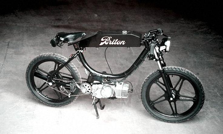 17 best images about mopeds on pinterest honda cub for Garage peugeot saint quentin