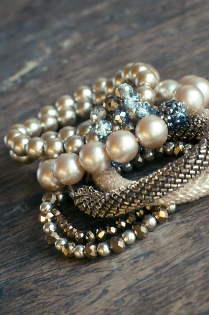 Maak je outfit af met feestlijke sieraden