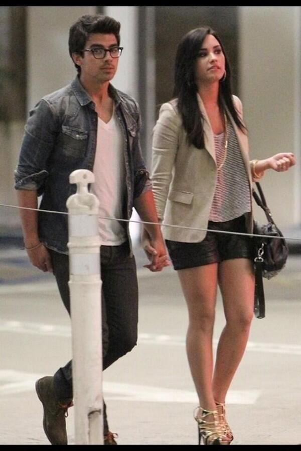 demi lovato and joe jonas dating 2009 Who is demi lovato dating demi lovato and joe jonas: pretty sure 2007-2009 will forever be some of my favorite years ever see more.