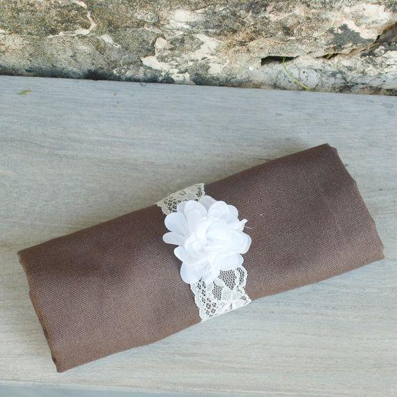 rond de serviette pour mariage fleur blanche et dentelle baby shower bapt me napkin rings. Black Bedroom Furniture Sets. Home Design Ideas