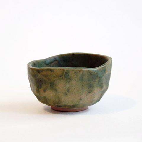 Новенькая чаша-тяван. #japaneaseculture #art #craft #beautiful #pottery #potter #ceramic #ceramics #fuji #matcha #macha #chawan🎎🎌🌊