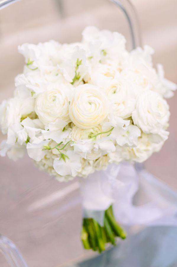 Modern Mint + White Garden Wedding Inspiration: http://www.stylemepretty.com/washington-dc-weddings/2015/10/20/modern-mint-white-garden-wedding-inspiration/ | Photography: Kelsey Thompson - http://kthompsonphotography.com/