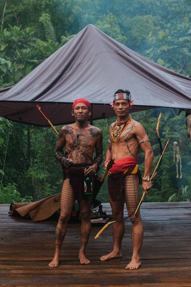 Mentawai traditional costumes and archery. #Me #AmanDurgaSipatiti