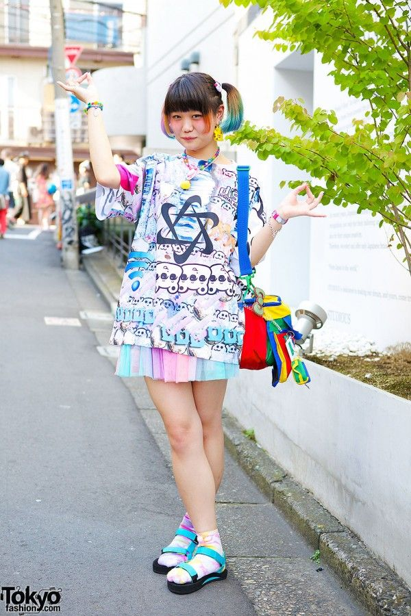 19-year-old Elleanor is someone we see around Harajuku often and we've snapped her many times before.