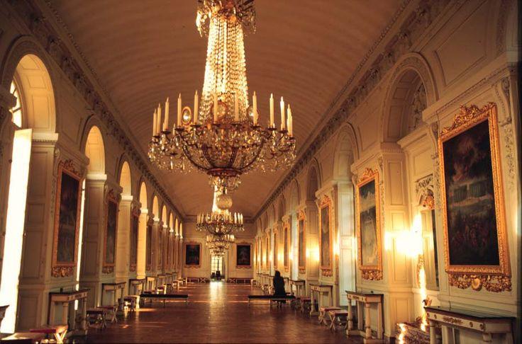 Palace at Versailles- beautiful place..awww Paris: Building, Palace Of Versailles, Palaces Of Versailles, Palaces Interiors, Castles Inside, Decor Palaces, Chandeliers, Places Awww Paris, Inside Castles