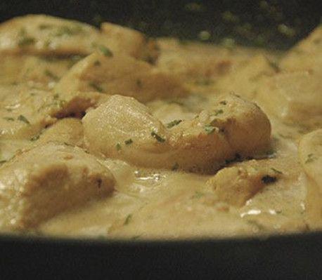 Kyckling med grädde och dragon recept - CrockPot.se