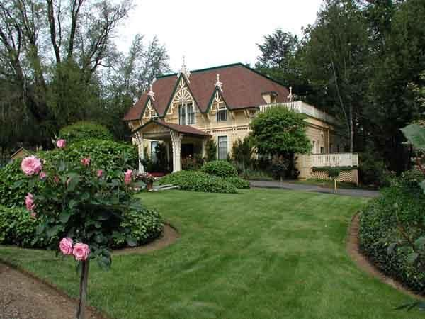 Find out about the just released Michelin Stars in Sonoma County, see  http://ht.ly/qb5x8. Photo: Madrona Manor, Healdsburg