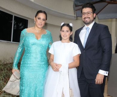 Patricia Abravanel se casa na mansão de Silvio Santos https://donaelegancia.wordpress.com/2017/04/29/patricia-abravanel-se-casa-na-mansao-de-silvio-santos/