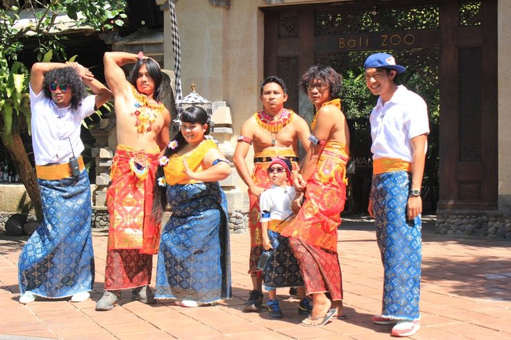 Isa Bajaj, Agung Hercules, Sinyo Sinyorita Esperanza, Aden Bajaj, Daus Mini, Aming & Melky Bajaj during reality game show Mission X.