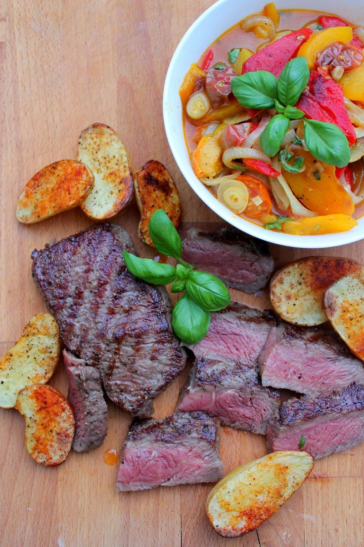 Beef tenderloin with a baked pepper salad and potatoes