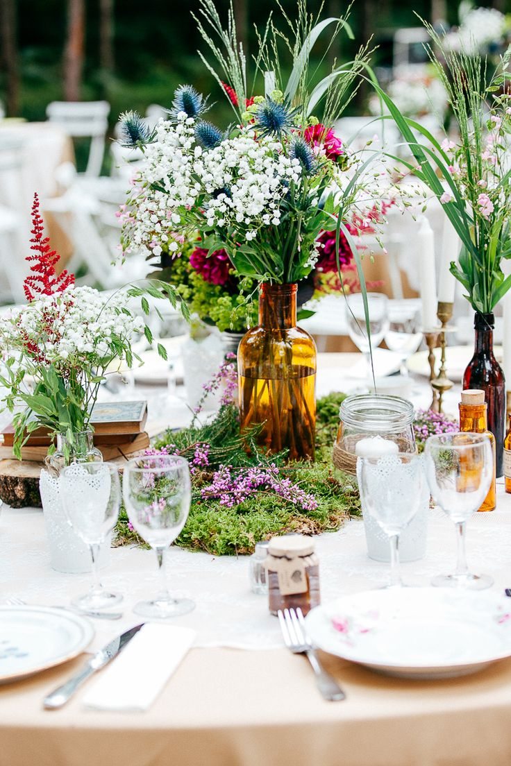 #Wedding at Château de Chambiers - floral decoration, forest as a theme - #mariage participatif la mariée aux pieds nus