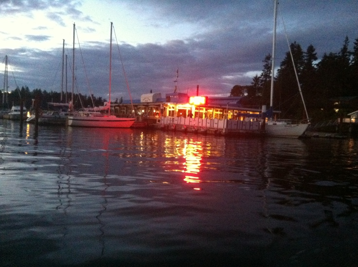 Floating restaurant, Dinghy Dock in Nanaimo, food is DELICIOUS !