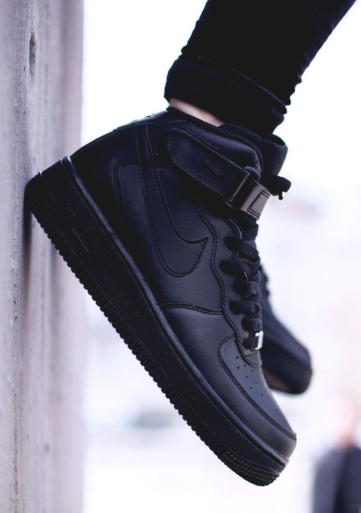 NIKE Air Force 1 Mid GS All Black
