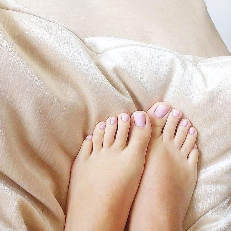 женские пальчики ног картинки сейчас одна самых
